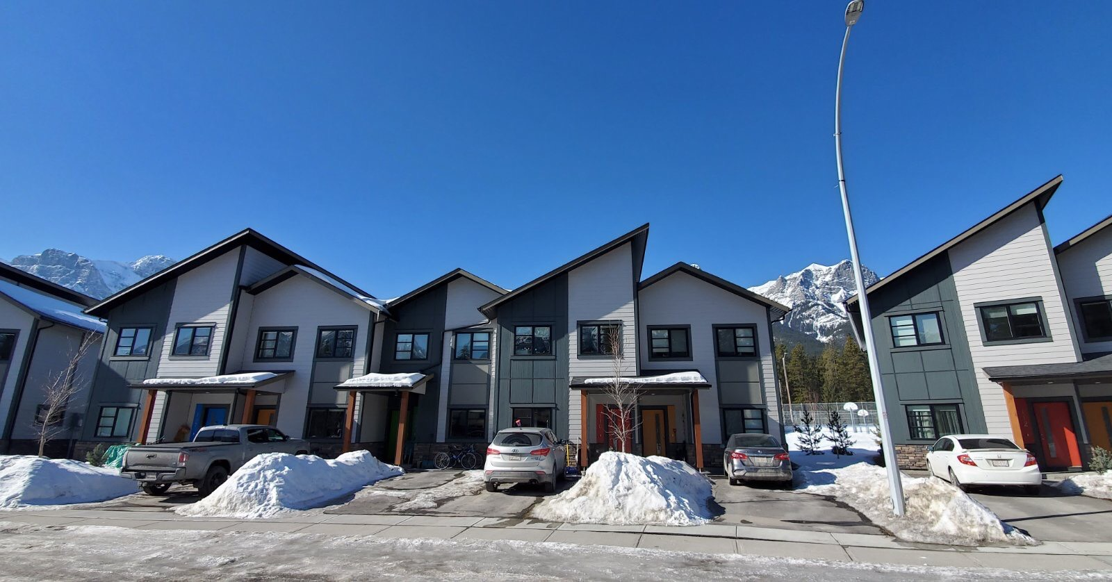 Hardie Siding installation for duplexes in Canmore
